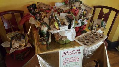 Open Mondays 11-3, Gift Baskets &G.Cards